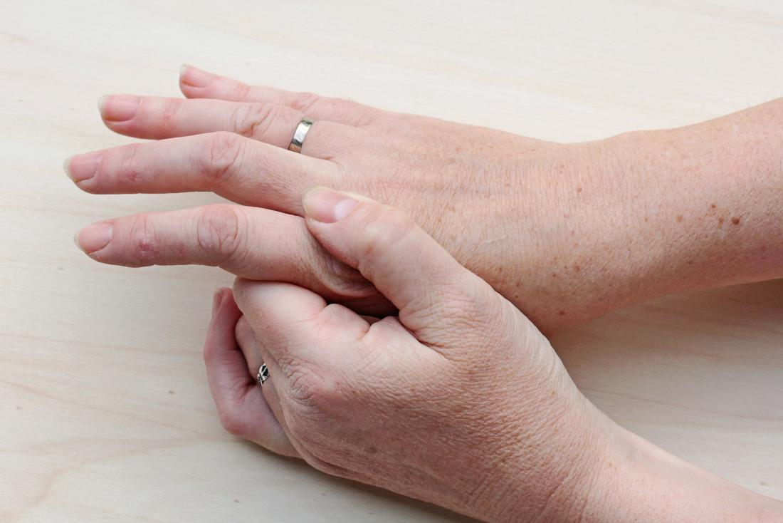 hpv warts on hand cauzele aparitiei negilor genitali